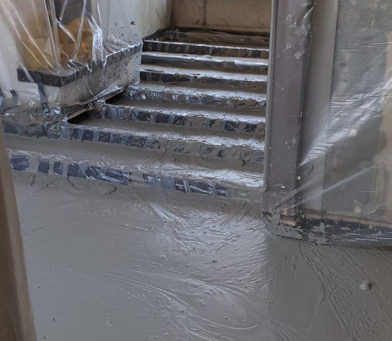 Betonvloer met vloerverwarming in Rozenburg