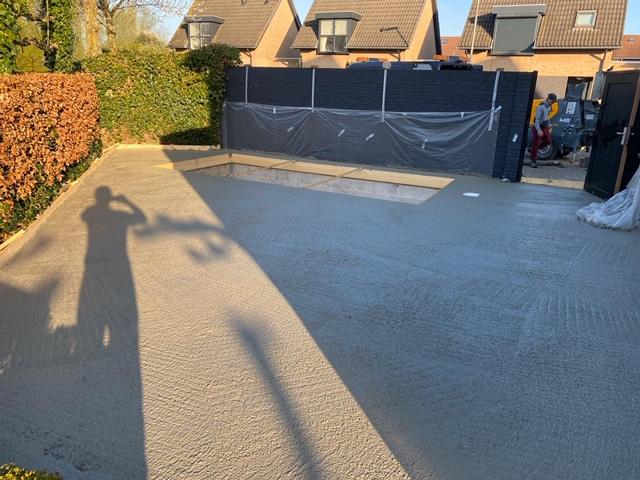 Betonnen terras in Tilburg